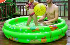充气海洋球池图片