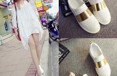 一脚蹬小白鞋图片