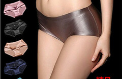 一片式无痕内裤女低腰图片