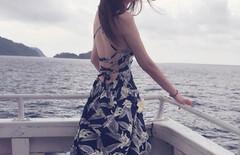 海边露背度假裙图片